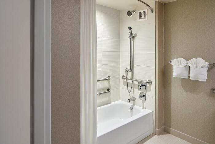 OU Inn & Conference Center Bathroom1